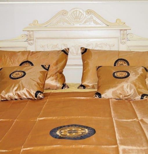 pure-silk-bedding-gold-1