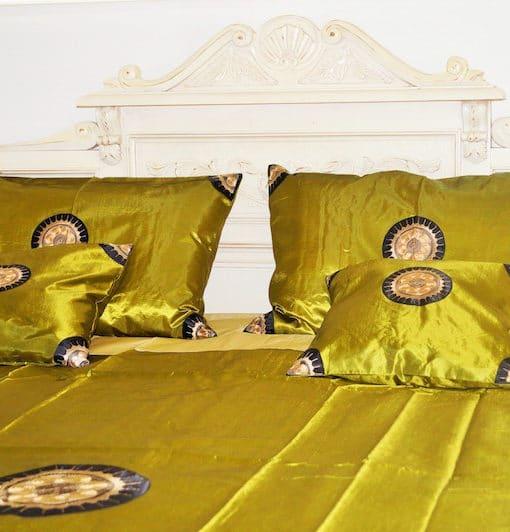pure-silk-bedding-light-green-1